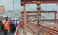 Thi công đường ray gói thầu đoạn đi trên cao thuộc dự án tuyến metro số 1