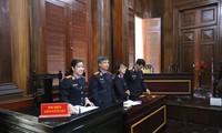 Đại diện Viện Kiểm sát tại tòa kiến nghị Cơ quan ANĐT - Bộ Công an điều tra làm lộ bí mật Nhà nước trong vụ án Ảnh: Tân Châu