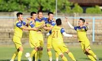 Đội tuyển Việt Nam tập luyện tại Indonesiaảnh: pv