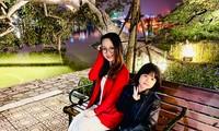 Sa Huỳnh và con gái Nguyễn Duy Đông Nhiên cùng hát Đôi mắt nCoV