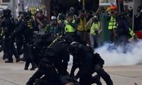 Cảnh sát Hong Kong trấn áp người biểu tình Ảnh: AP