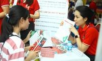 Học sinh dự ngày hội tư vấn tuyển sinh - hướng nghiệp 2020 ở Hà Nội ảnh minh họa