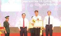 Nam sinh 10 năm cõng bạn đến trường quyết định học tại Đại học Y Thái Bình
