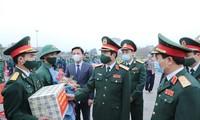 Thượng tướng Nguyễn Tân Cương động viên các thanh niên lên đường nhập ngũ tại Thanh Hóa.