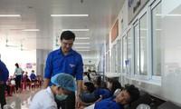 Trao 3.000 suất cơm đến bệnh nhân khó khăn tại Quảng Bình
