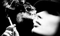 Hút thuốc lá là một trong những nguyên nhân dẫn đến ung thư phổi.