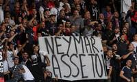 Cổ động viên PSG lăng mạ thậm tệ ngôi sao Neymar