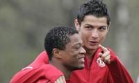 Vì sao huyền thoại M.U sợ đến già, không dám đến nhà Ronaldo?