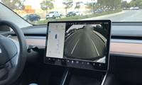Tesla Model 3 trình diễn công nghệ tự đỗ song song