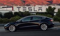 Tesla tạm ngừng sản xuất Model 3 để giải quyết bế tắc