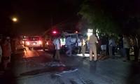 Hai xe máy biến dạng sau cú tông trực diện, ba người thương vong