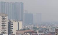 Ô nhiễm không khí ở quận Thanh Xuân, Hà Nội trưa 30/9 Ảnh: Như Ý