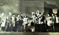 Đoàn cải lương Nam Bộ những năm 1960. (Tư liệu)