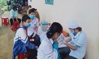 Khám sàng lọc ở trường P.Đ.P (xã Đắk Wer, huyện Đắk R'lấp, tỉnh Đắk Nông)