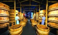 Nước mắm tĩn được phục chế tại nhà thùng Làng Chài Xưa