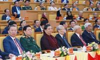 Lãnh đạo Đảng, Nhà nước, Quốc hội dự Đại hội Đảng bộ tỉnh Hưng Yên, ngày 25/10 Ảnh: TTXVN