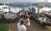 Công tác neo đậu tàu thuyền tránh bão số 13 được Đà Nẵng triển khai khẩn trương Ảnh: Nguyễn Thành