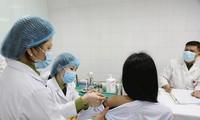 Tiêm thử nghiệm vắc-xin made in Việt Nam Ảnh: Như Ý