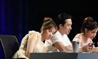 Siêu Tài Năng Nhí: Hari Won ngủ trên vai Trấn Thành, khen ông xã có trái tim ấm áp