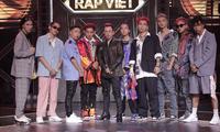 """Pha chuyển nhượng thú vị tại """"Rap Việt"""": Karik tung nón vàng cứu Ricky Star của team Binz"""
