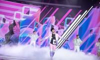 """Jack lần đầu diễn live hit """"Hoa Hải Đường"""", tặng fan thêm ca khúc mới tự sáng tác"""