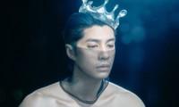 """Noo Phước Thịnh hóa """"vị vua si tình"""" bị lừa trở thành vật trưng bày trong rạp xiếc"""