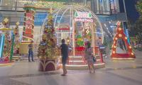"""Sài Gòn lên đèn xinh lung linh đón Giáng Sinh rồi đó, bạn đã chuẩn bị """"lên đồ"""" chưa?"""