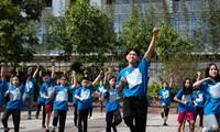 """Sau """"vũ điệu rửa tay"""", Quang Đăng tung vũ điệu cho chiến dịch bảo vệ môi trường"""