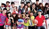 Các thành viên nhóm nhảy cover đình đám St.319 hội ngộ trong MV đặc biệt sau 10 năm