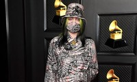 """Hậu Grammys, Billie Eilish """"chơi lớn"""" nhuộm tóc bạch kim để hoàn thành lời hứa với fan"""