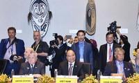 Thủ tướng Nguyễn Xuân Phúc tại cuộc đối thoại giữa các nhà lãnh đạo APEC với lãnh đạo các Quốc đảo Thái Bình Dương. Ảnh: Thống Nhất/TTXVN