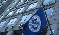 """Cơ quan thực thi hải quan và nhập cư (ICE) thuộc Bộ An ninh Nội địa Mỹ bị phát hiện điều hành một trường đại học """"ma""""."""