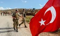 Các sỹ quan Thổ Nhĩ Kỳ tham gia vào chiến dịch tấn công Syria sẽ bị Mỹ trừng phạt.