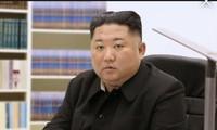 Năm nay nhà lãnh đạo Triều Tiên viết thư, thay vì đọc thông điệp năm mới. Ảnh: KCNA