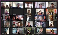 ết Cộng đồng Xuân Tân Sửu năm 2021 dưới hình thức trực tuyến thu hút 56 điểm cầu với khoảng 120 bà con người Việt đang sinh sống, học tập và làm việc tại nhiều thành phố của Indonesia và Timor Leste. Ảnh: TTXVN