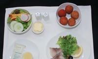 Vải thiều Lục Ngạn trên chuyến bay của Vietnam Airlines