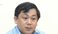 Ông Hoàng Hồng Giang, Cục trưởng Cục Đường thủy nội địa Việt Nam bị kỷ luật khiển trách.