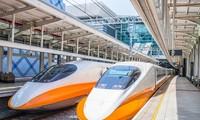Vẫn nhiều ý kiến tranh luận về Việt Nam nên đầu tư đường sắt cao tốc Bắc - Nam hay nâng cấp đường sắt hiện hữu.
