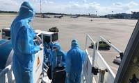 Bộ GTVT sẽ dừng cấp phép bay quốc tế nếu hãng nào để các thành viên tổ bay vi phạm quy định về cách ly.