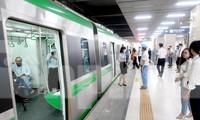 Bộ GTVT dự kiến sẽ xong bàn giao để khai thác thương mại đường sắt Cát Linh - Hà đông vào ngày 1/5 tới.