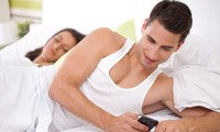 Chồng ngoại tình nhưng vẫn 'biết sợ', nên còn cơ hội giữ gia đình?