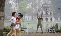 Người Hà Nội tập thể dục thời chống dịch Covid -19