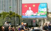 Hà Nội rực rỡ cờ hoa kỷ niệm 130 năm ngày sinh Bác Hồ