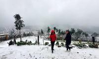 Băng tuyết phủ trắng Y Tý và đèo Ô Quy Hồ