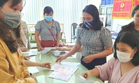 Phòng GD&ĐT TP Huế khẩn trương các thủ tục bàn giao con dấu về cho các trường sáp nhập từ chiều muộn 22 và sáng 23/7