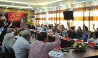 Hội nghị biểu quyết thông qua danh sách người đủ tiêu chuẩn ứng cử Đại biểu Quốc hội khóa XV.