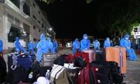 77 công dân Quảng Nam đầu tiên trở về từ TP. Hồ Chí Minh.