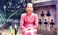 Cụ bà Lê Thị Dinh - cung nữ cuối cùng của triều Nguyễn lúc sinh thời. Ảnh: nguồn Internet