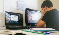 TP.HCM: Học online 3 tiết Hóa liên tục, học sáng chiều chưa đủ còn tăng ca buổi tối