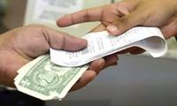 Mỹ: Vào cửa hàng giá rẻ, hai phụ nữ muốn mua phiếu quà tặng bằng tờ tiền 1 triệu đôla